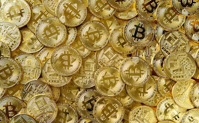 FXのループイフダンと仮想通貨のビットコインの特徴